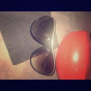 Valentino Sunglasses!♦️